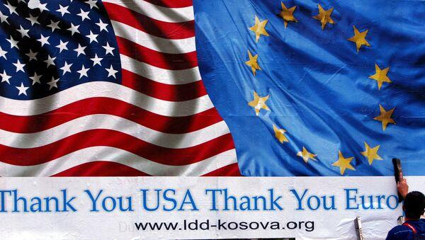 Билборд којим се косовски Албанци захваљују САД и ЕУ - Sputnik Србија