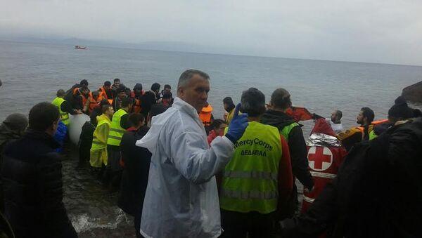Doktor Simić kaže da se dešavalo da migranti provedu više od sat u hladnom moru. Posle toga deci često nije mogao da pomogne. - Sputnik Srbija