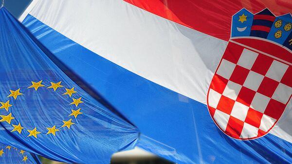 Zastave Hrvatske i EU - Sputnik Srbija