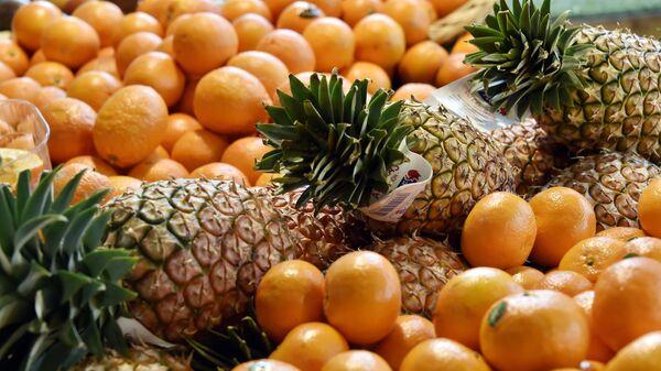 Mandarine , ananas i pomorandže - Sputnik Srbija
