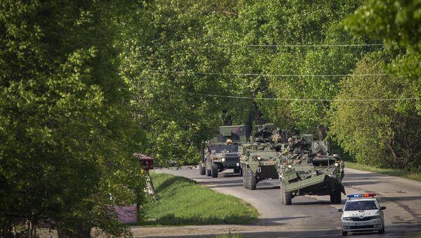 Америчка војна возила у Молдавији, 3. мај 2016. Више од 200 војника САД стигло је у ту земљу на војне вежбе које ће трајати две недеље - Sputnik Србија