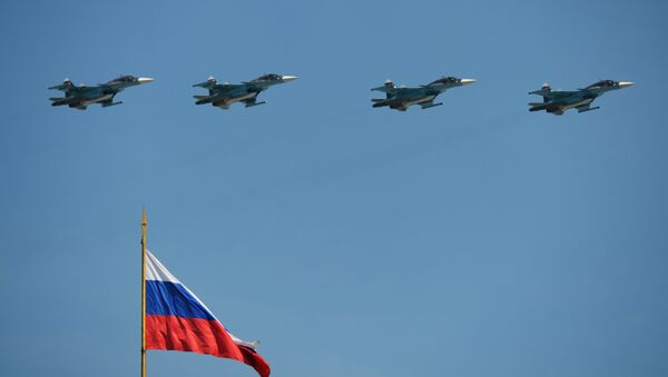 Vojna parada u Moskvi povodom 71. godišnjice pobede u Velikom otadžbinskom ratu, na Dan pobede, 9. maj 2016. - Sputnik Srbija