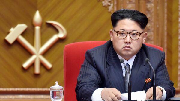 Lider Severne Koreje Kim Džong Un na kongresu Radničke partije u Pjongjangu, prestonici Severne Koreje, 9. maj 2016. - Sputnik Srbija