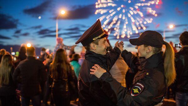 Празнични ватромет у Омску поводом 71. годишњице победе у Великом отаџбинском рату, на Дан победе, 9. мај 2016. - Sputnik Србија