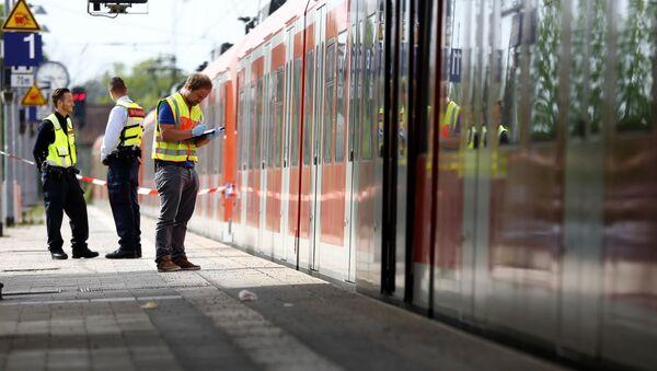 Полиција истражује случај пробадања ножем на железничкој станици у немачком граду Минхену. 10. мај 2016. - Sputnik Србија