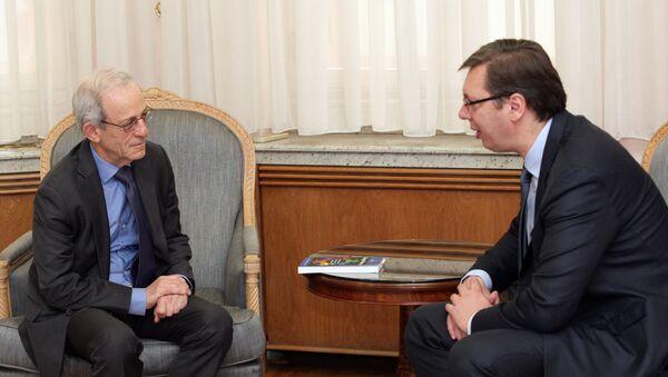 Profesor Danijel Server sa američkog Univerziteta Džon Hopkins i premijer Srbije Aleksandar Vučić - Sputnik Srbija