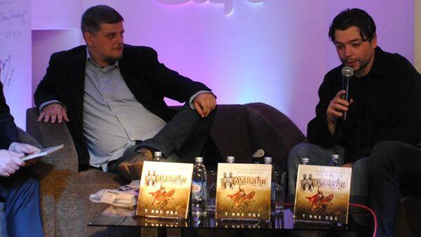 Pisci Vladimir Kecmanović i Dejan Stojiljković - Sputnik Srbija
