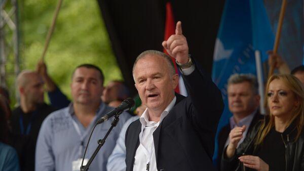 Драган Чавић, председник НДП-а говори на митингу опозиције у Бањалуци. - Sputnik Србија