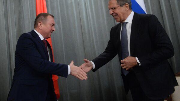 Ministri inostranih poslova Belorusije i Rusije - Vladimir Makej i Sergej Lavrov - Sputnik Srbija