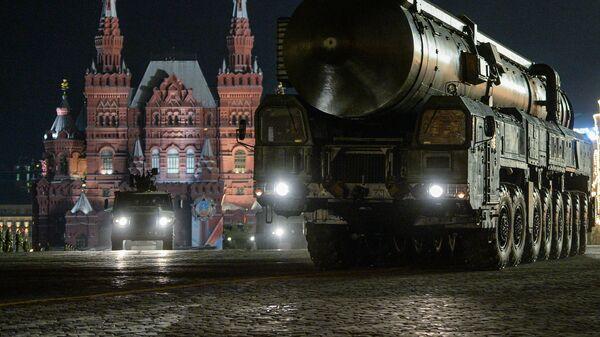 Интерконтинентална ракета Топољ М - Sputnik Србија