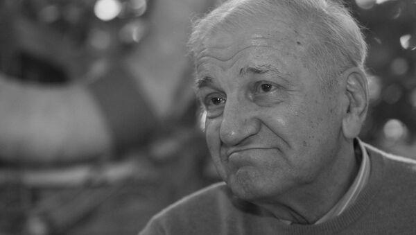 Архивски снимак од 4. јуна 2010. Велимир Бата Зивојиновић, један од највећих глумаца на нашим просторима, преминуо је у Београду после дуге и тешке болести. - Sputnik Србија