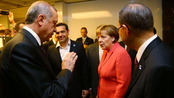 Erdogan i Merkelova - Sputnik Srbija