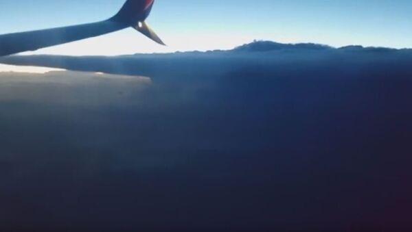 Super oluja snimljena iz putničkog aviona - Sputnik Srbija