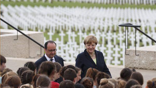 Angela Merkel i Fransoa Oland - Sputnik Srbija