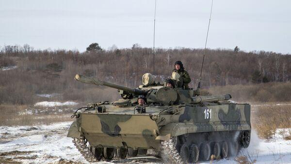 Oklopno vozilo BMP-3 tokom terenskih vežbi na poligonu u Amurskoj oblasti - Sputnik Srbija