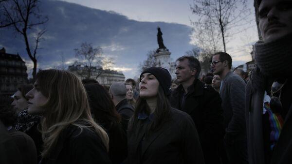 Protest pokreta Noć na nogama (Nuit Debout) u Parizu, 10. april 2016. - Sputnik Srbija