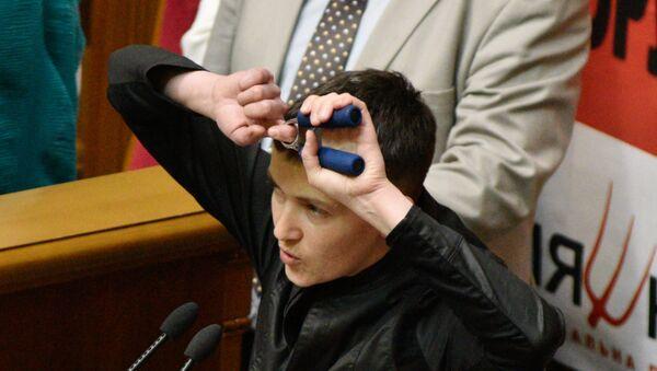 Nadežda Savčenko na zasedanju Vrhovne rade Ukrajine - Sputnik Srbija