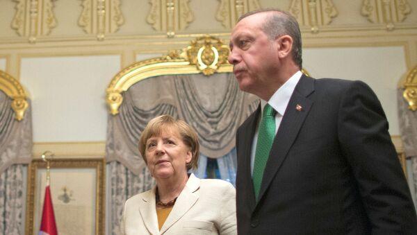 Angela Merkel i Redžep Tajip Erdogan - Sputnik Srbija