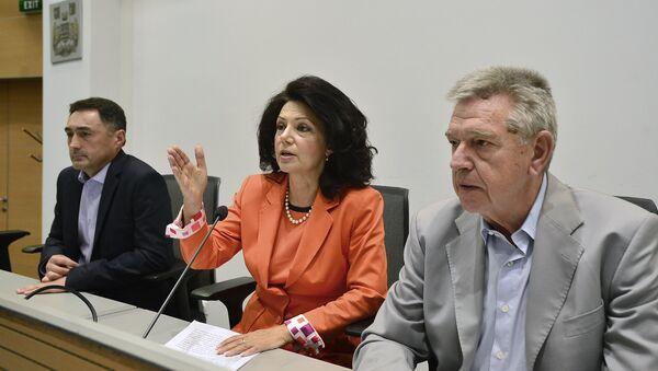Sanda Rašković Ivić i Dragan Maršićanin na sednici Glavnog odbora DSS-a. - Sputnik Srbija