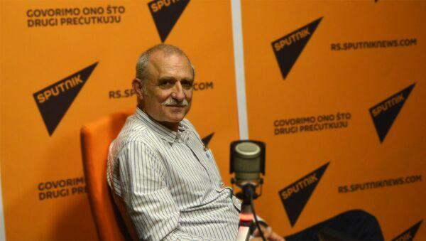Glumac Lazar Ristovski - Sputnik Srbija