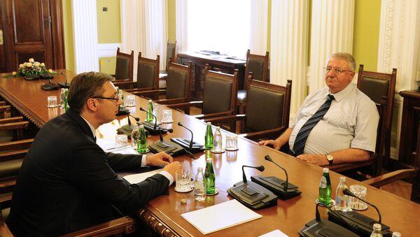 Александар Вучић и Војислав Шешељ на преговорима око новог сазива Владе - Sputnik Србија