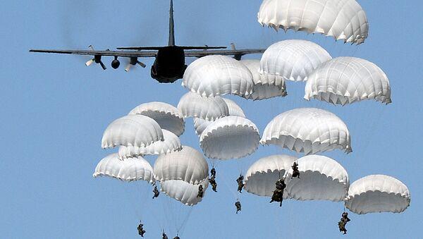 """Пољски падобранци током НАТО војне вежбе """"Анаконда 16"""" која се одржава у Пољској - Sputnik Србија"""