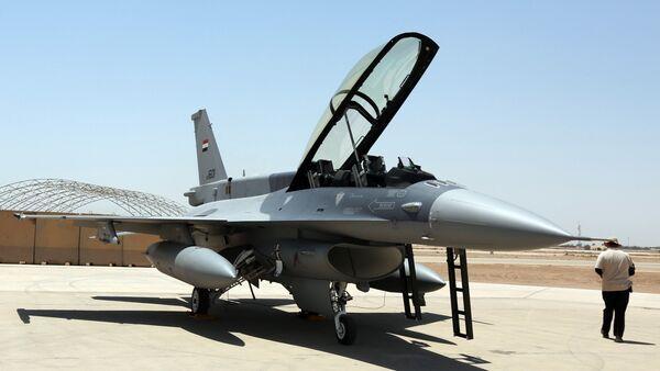 Lovac F-16 iračke avijacije - Sputnik Srbija