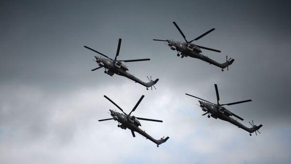 Наступ авио-групе Беркут у хеликоптерима Ми-28Н Ноћни ловац на полигону Дубровичи - Sputnik Србија