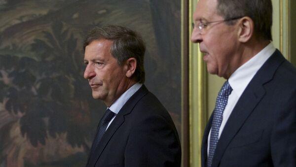 Slovenački ministar spoljnih poslova Karl Erjavec i ministar spoljnih poslova Rusije Sergej Lavrov pre sastanka u Moskvi - Sputnik Srbija
