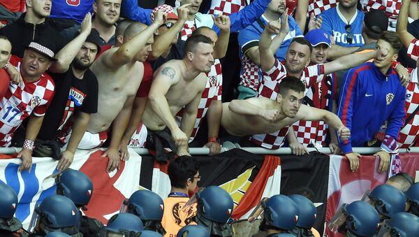 Hrvatski navijači - Sputnik Srbija