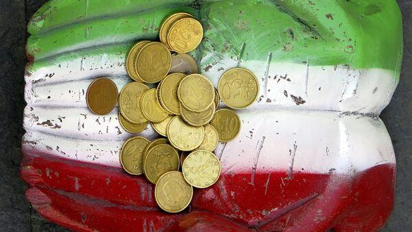 Kovanice evra i italijanska zastava - Sputnik Srbija