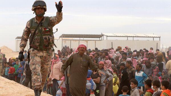 Jordanski vojnik u sirijskom izbegličkom kampu - Sputnik Srbija