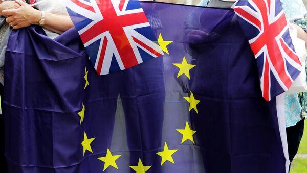 Заставе ЕУ и Велике Британије - Sputnik Србија