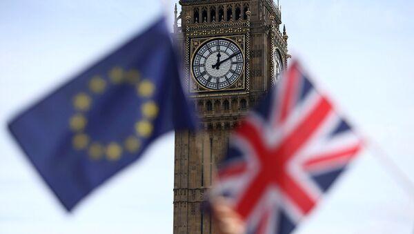 Britanska i zastava EU ispred Big Bena - Sputnik Srbija