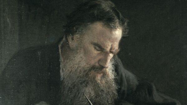 Картина Ге Лав Толстој док ради - Sputnik Србија