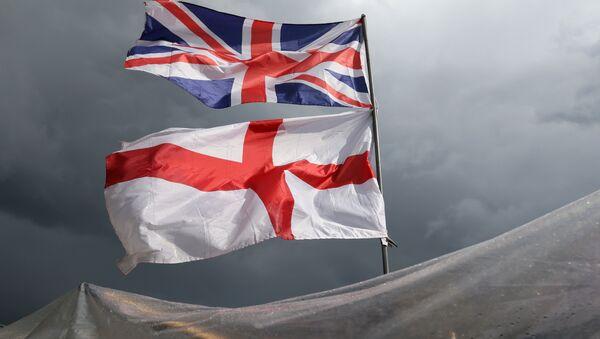 Zastave Ujedinjenog Kraljevstva Velike Britanije i Severne Irske - Sputnik Srbija