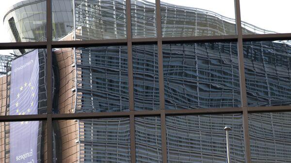 Одраз седишта ЕУ огледа се у згради Савета ЕУ у Бриселу - Sputnik Србија