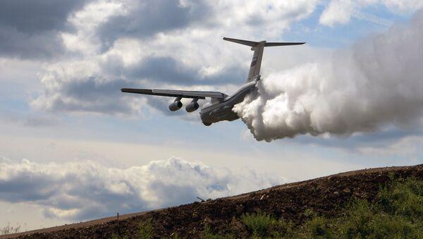 Војно-транспортни авион Ил-76 на међународном војно-техничком форуму Армија-2015 у Кубинки - Sputnik Србија