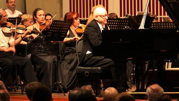 Koncert britanskog pijaniste Pitera Sejvrajta u Donjecku - Sputnik Srbija
