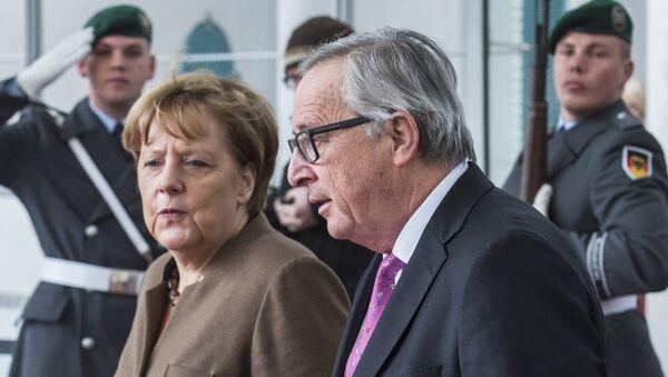 Angela Merkel i Žan-Klod Junker - Sputnik Srbija