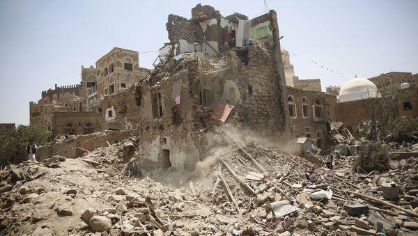 Ruševine u Sani nakon vazdušnih udara Saudijske Arabije - Sputnik Srbija