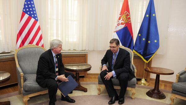 Амбасадор САД Кајл Скот и премијер Србије Александар Вучић - Sputnik Србија