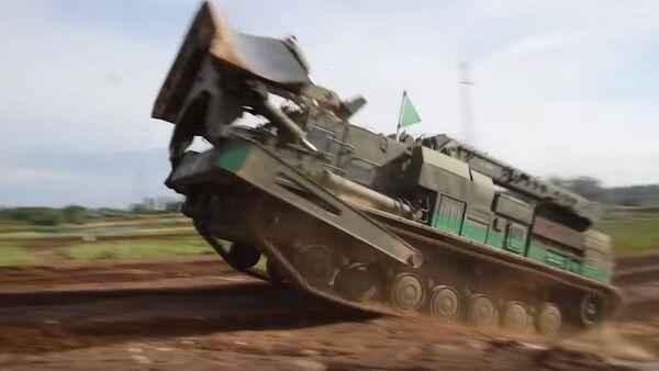 Oklopna vozila koja koriste ruski vojni inženjeri - Sputnik Srbija