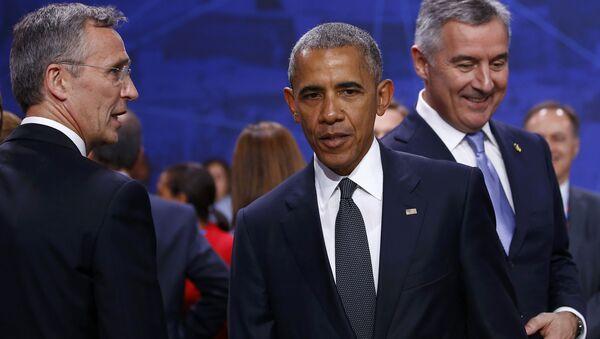 Јенс Столтенберг, Барак Обама и Мило Ђукановић на Самиту НАТО у Варшави. - Sputnik Србија