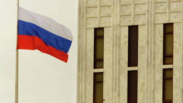 Zastava Ruske Federacije na ruskoj ambasadi u Vašingtonu - Sputnik Srbija