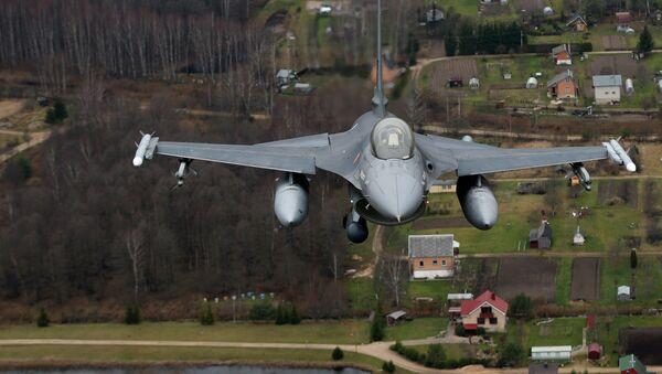 Португалски војни авион учествује у балтичкој полицијској патроли НАТО-а изнад Литваније. - Sputnik Србија