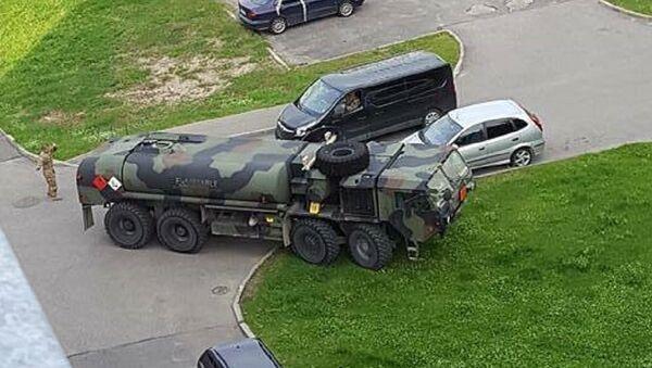 Америчко војно возило залутало у Риги (фото) - Sputnik Србија