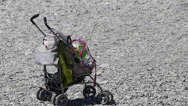 Dečija kolica na mestu terorističkog napada u Nici, 15. jul 2016. - Sputnik Srbija