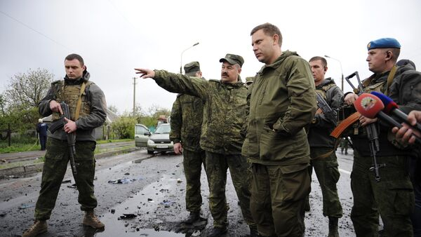 Шеф ДНР Александар Захарченко током инспекције - Sputnik Србија