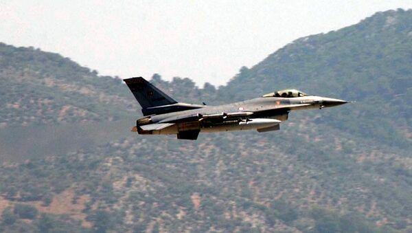 Turski vojni avion F-16 - Sputnik Srbija